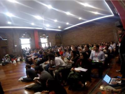 Público en la presentación en ISA 16